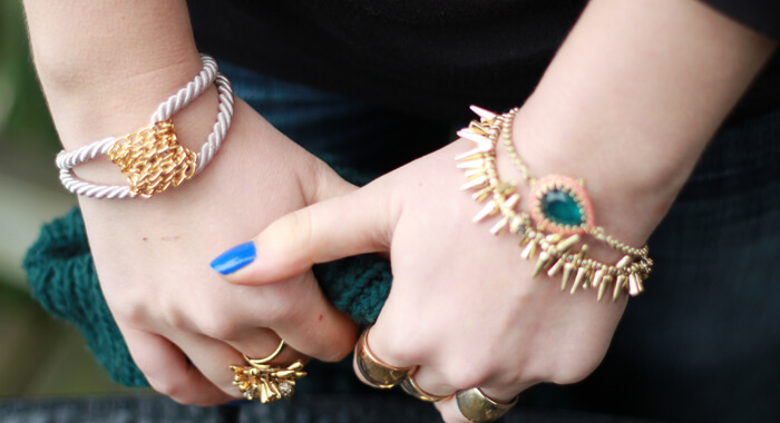 Collection-Of-Girls-Funky-Artificial-Jewelry