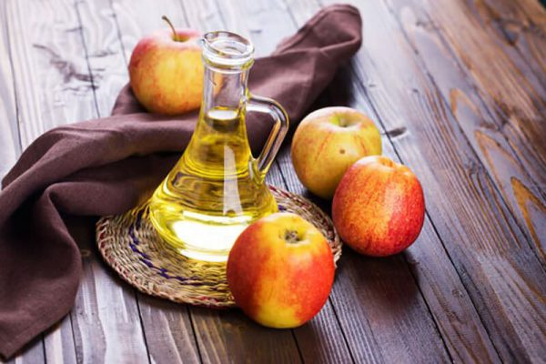 apples-and-vinegar (1)