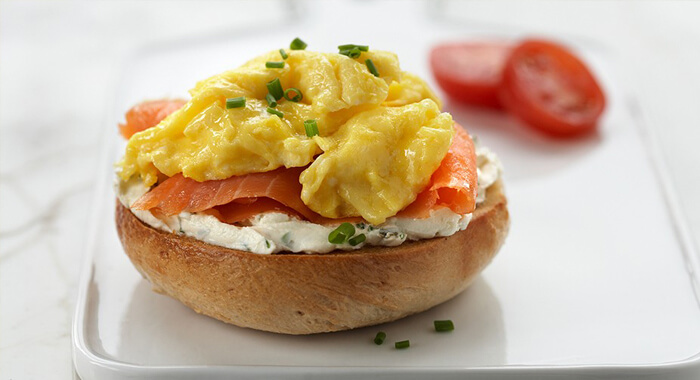 basic-scrambled-eggs-930x550